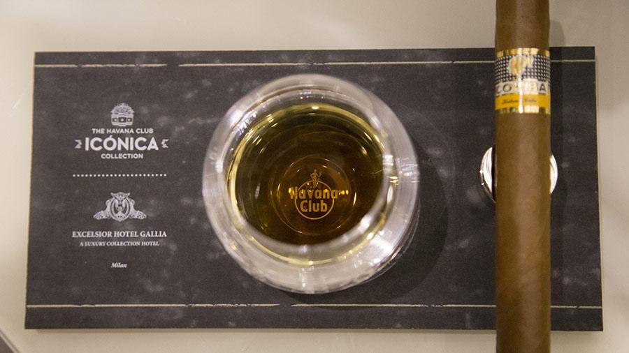 excelsior-gallia-hotel-lusso-milano-cigar-room-havana-club