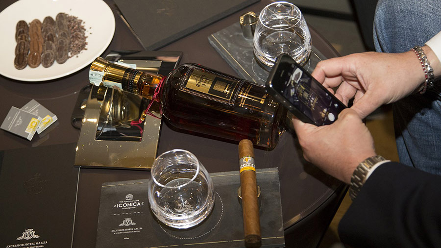 excelsior-gallia-hotel-lusso-milano-cigar-room-perfect-matching