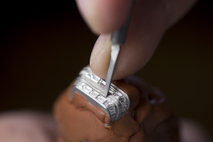 jaeger-lecoultre-reverso-one-high-jewelry-manufactureceveline_perroud-foto-05