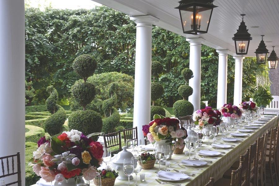 carolyne-roehm-veranda-casa-connecticut