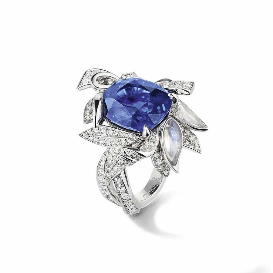 chaumet-anello-firmament-apollinien-oro-bianco-zaffiro-diamanti-vista-terzi