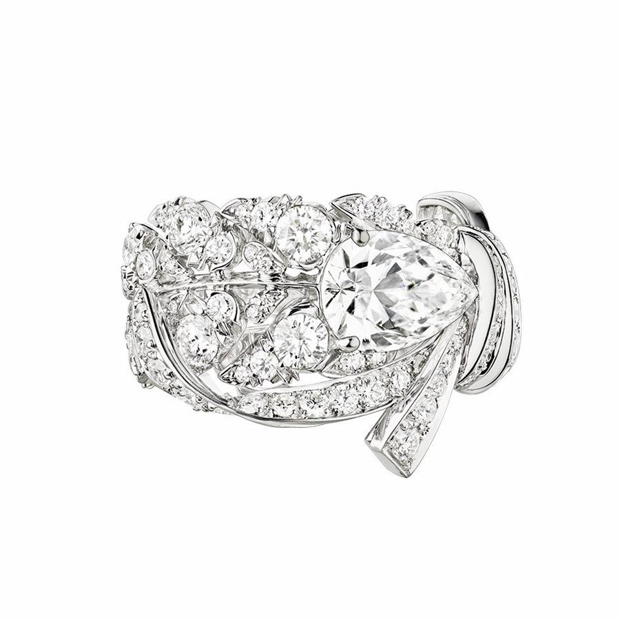 chaumet-anello-offrandes-dete-oro-bianco-1diamante-vista-superiore