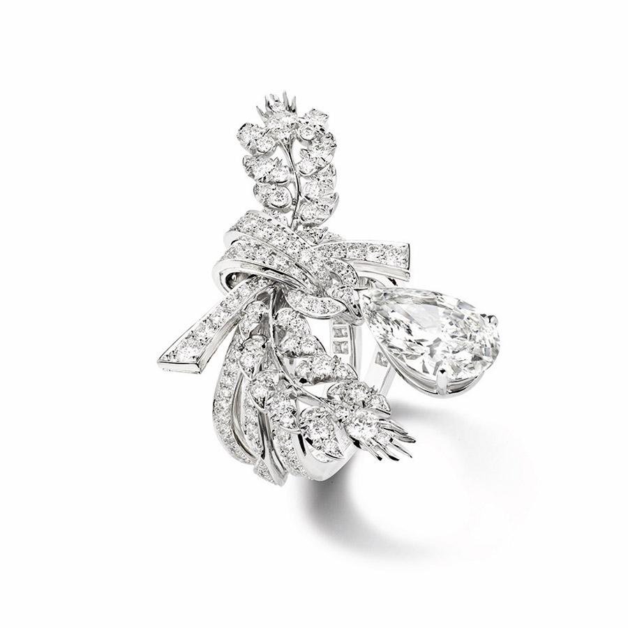 chaumet-anello-offrandes-dete-oro-bianco-diamanti-vista-superiore