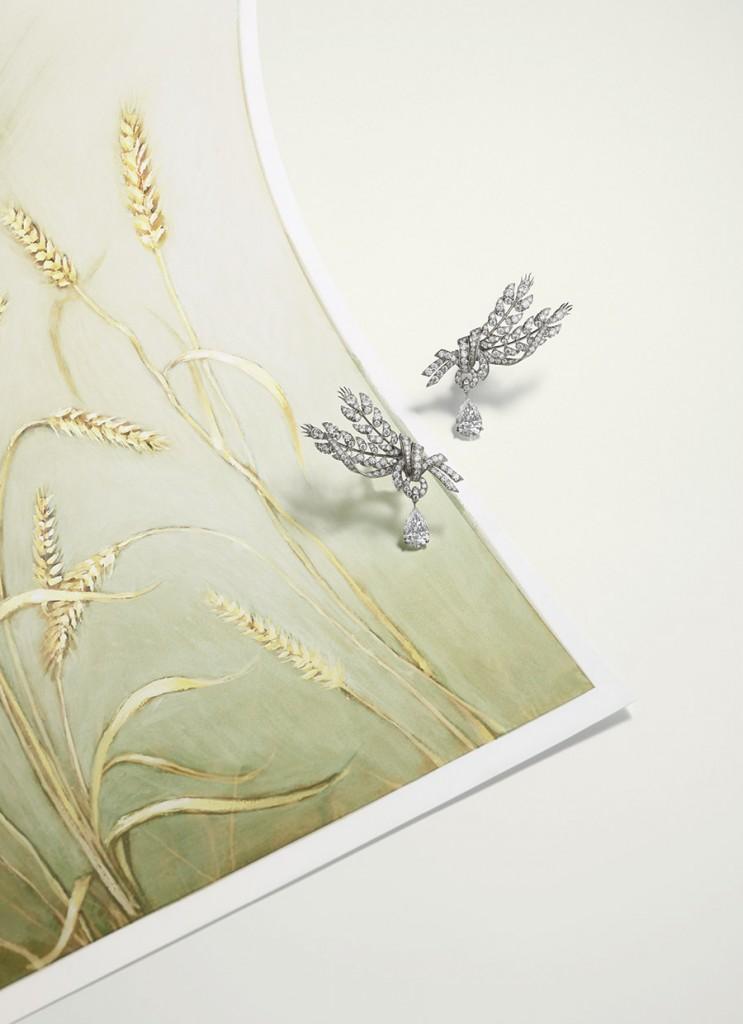 chaumet-orecchini-offrandes-oro-bianco-diamanti-foto01