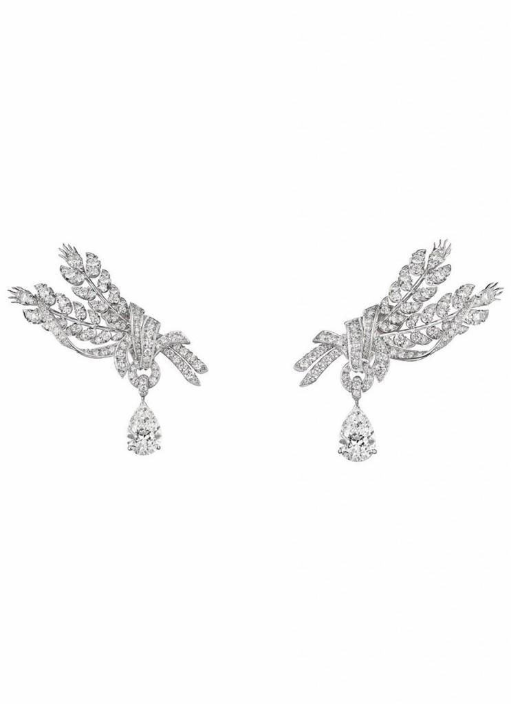 chaumet-orecchini-offrandes-oro-bianco-diamanti-foto02