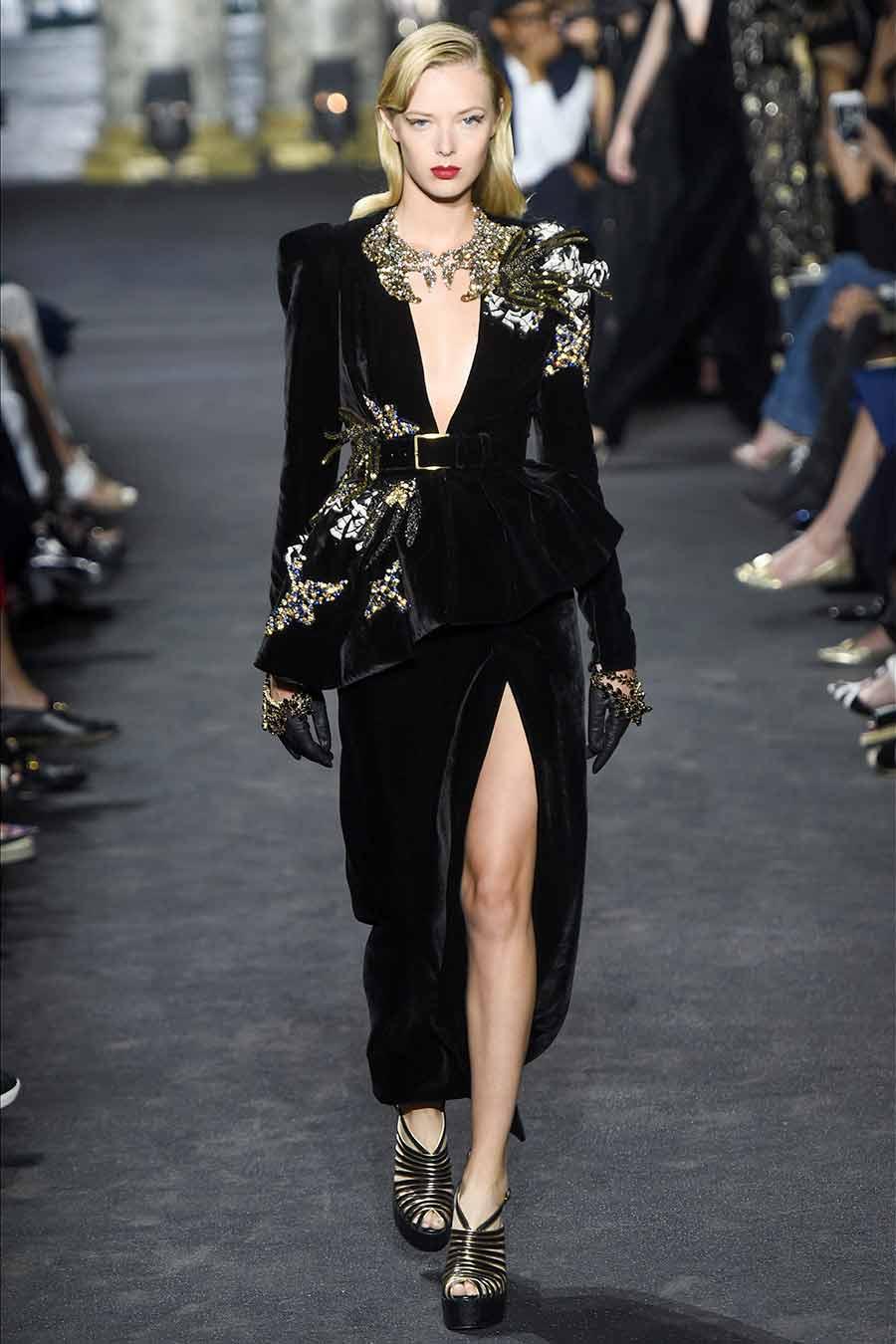 cristalli-look-elie-saab-haute-couture-abito-velluto-nero-applicazioni-cristalli-foto-3