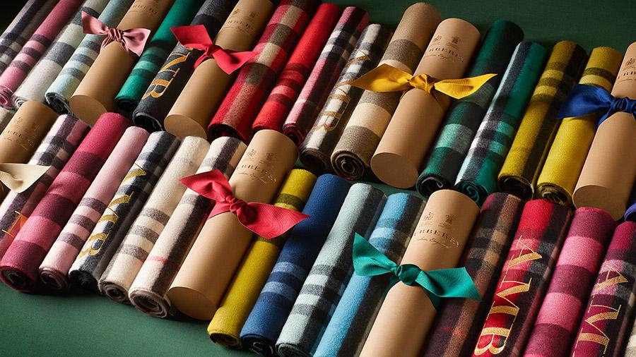 idee-regalo-uomo-burberry-collezione-brit-motivo-tartan