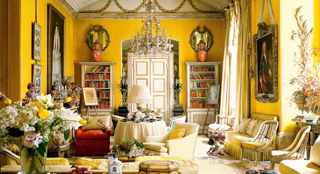 interior-designer-nancy-lancaster-yellow-room-avery-row-658x359
