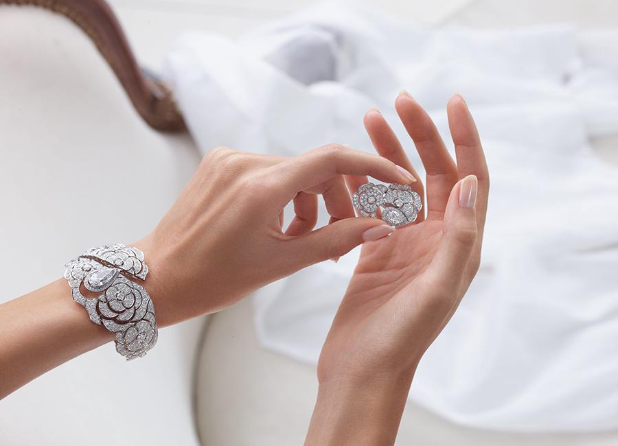 """Coco avant Chanel - Bracciale e orecchino """"Gabrielle Chanel"""""""
