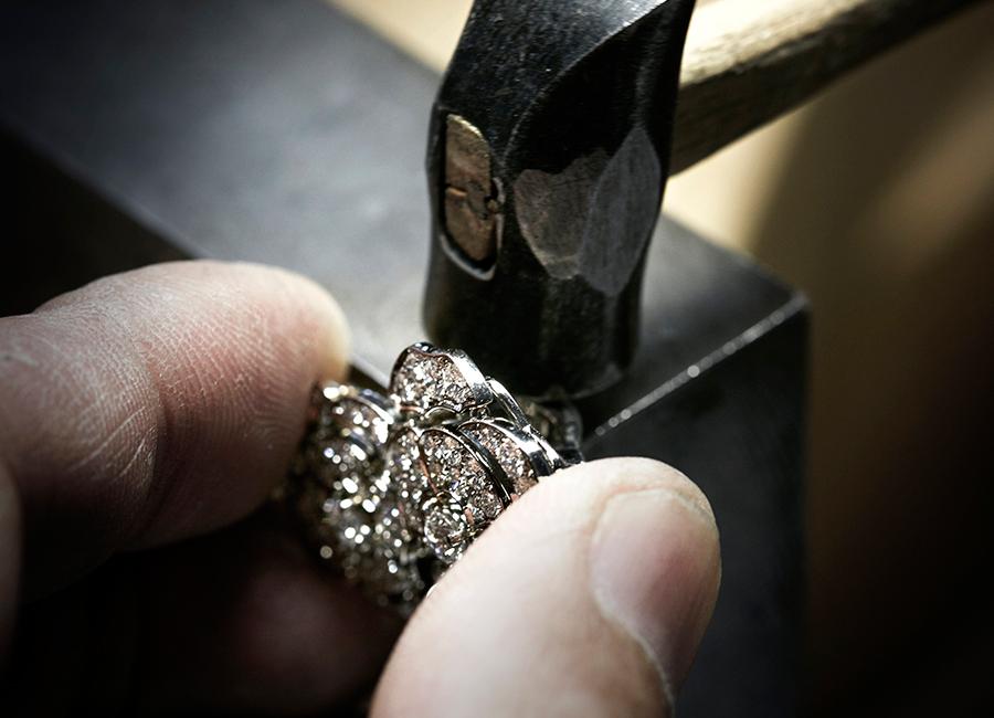 """Coco avant Chanel - orecchino in lavorazione """"Gabrielle Chanel"""""""
