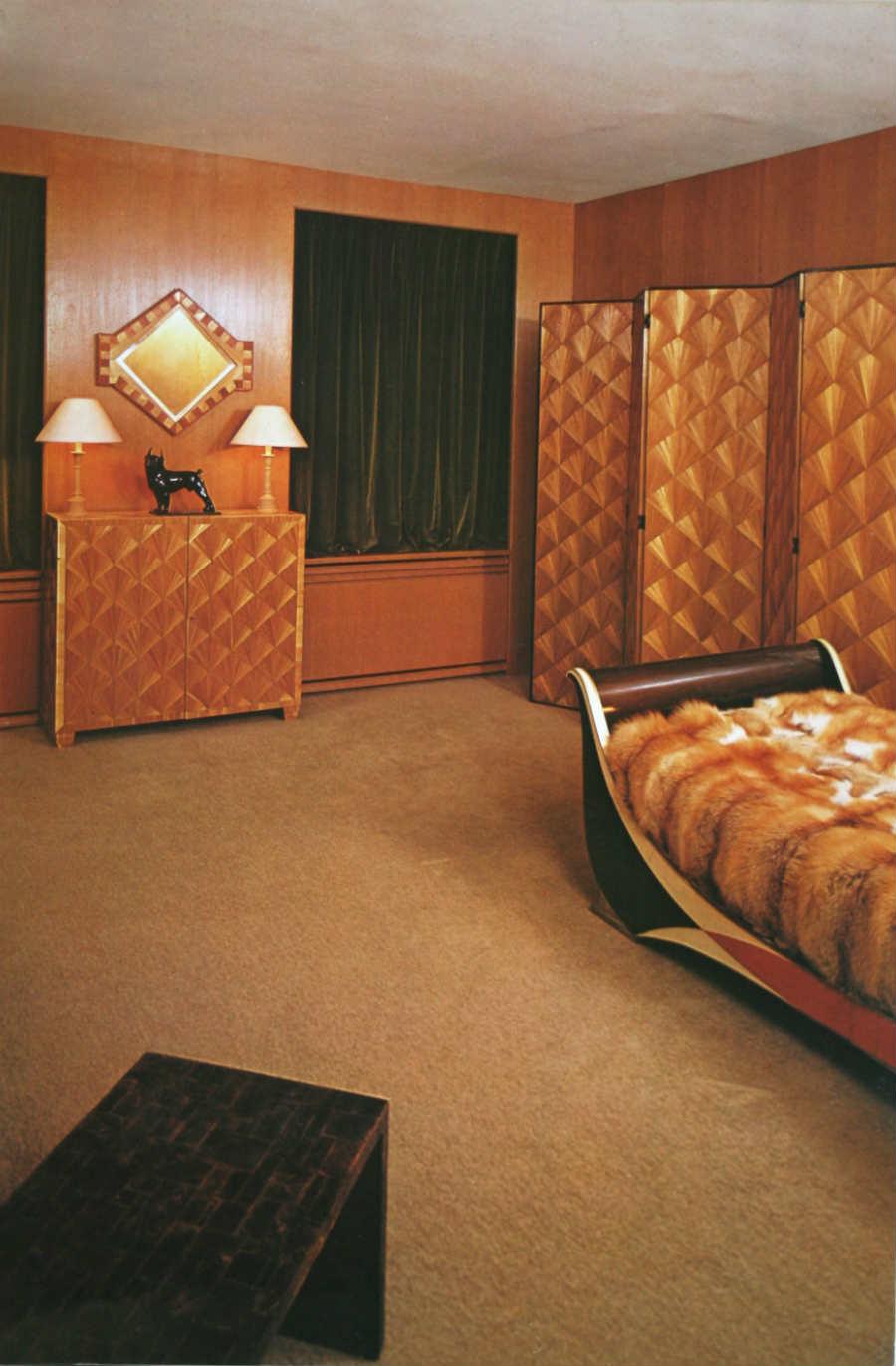 Jean Michel-Frank-interior-design-foto2-interno-camera-da-letto-utilizzo-del-legno