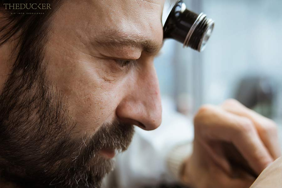 Piaget orologiaio con monocolo guarda dettaglio
