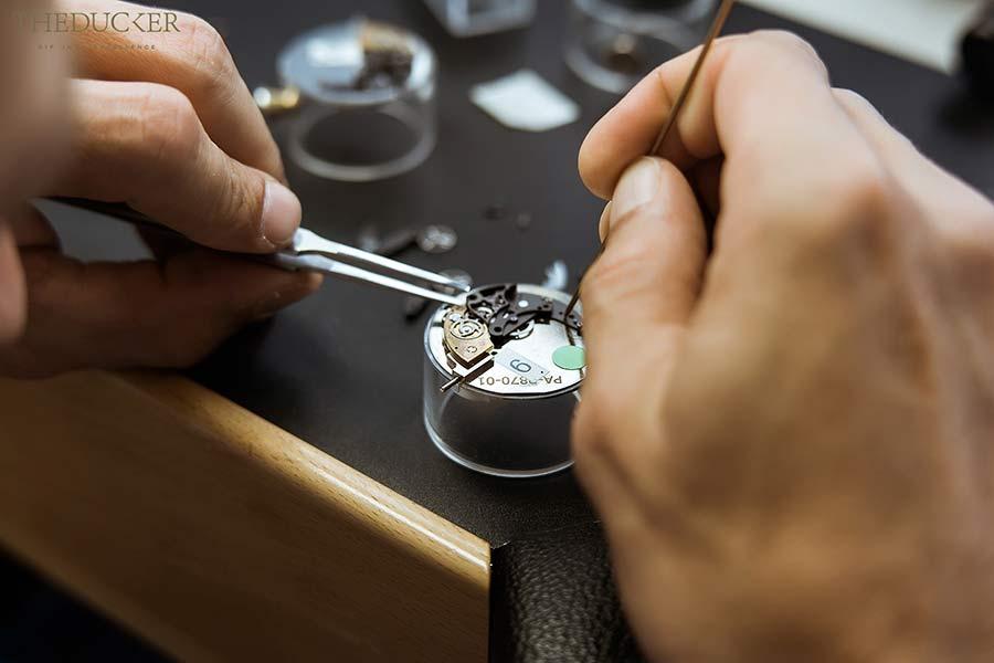 Piaget orologiaio mani e cassa