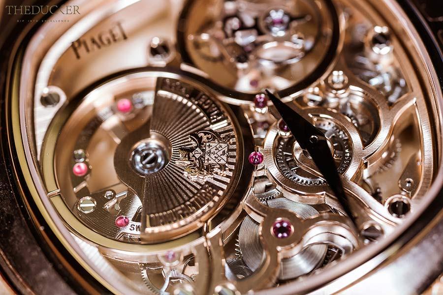 piaget meccanismo particolari dell'orologio Piaget Emperador coussin tourbillon squelette