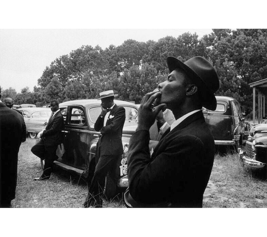 robert frank-mostra-americani-milano-Funerale-St.Helena-South-Carolina-1955-foto-04