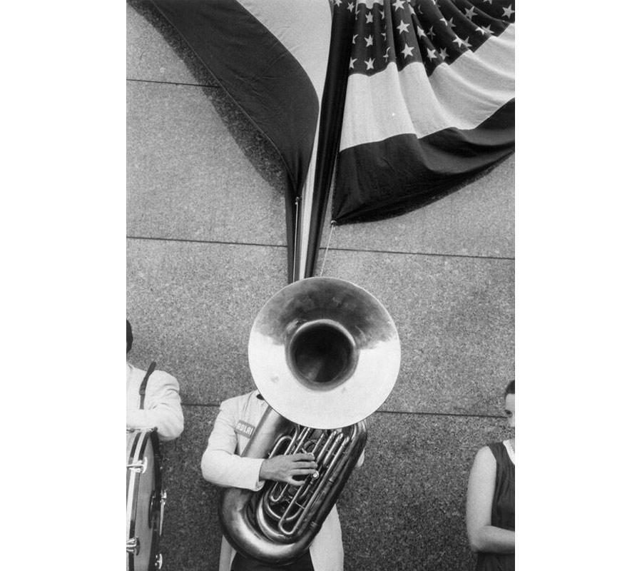 robert frank: mostra-americani-milano-comizio-politico-chicago-1956-foto-036