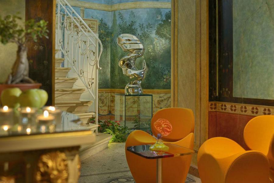 Byblos Art Hotel-affreschi-e-dettagli-contemporanei_5