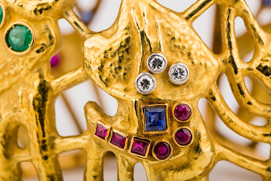 Museo Poldi Pezzoli-Afro Basaldella per Masenza Bracciale, Roma anni '50, oro giallo, diamanti, smeraldi, zaffiri, rubini. Collezione privata.