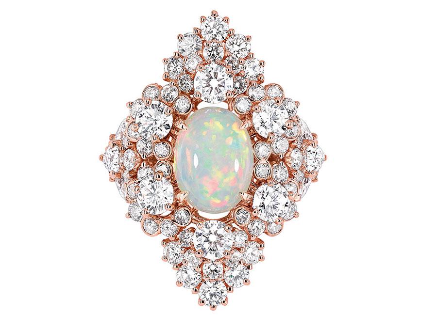 Victoire de Castellane-dior-Anello Étincelante Opale in Oro rosa, diamanti e opale bianco