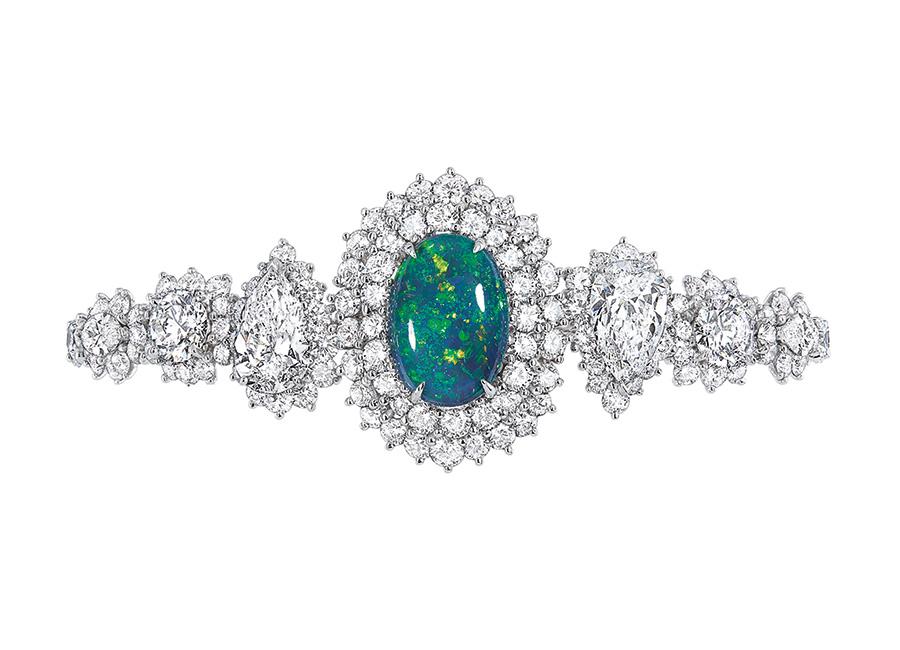 Victoire de Castellane-dior- Bracciale-Fascinante Opale in oro bianco, diamanti e opale nero.