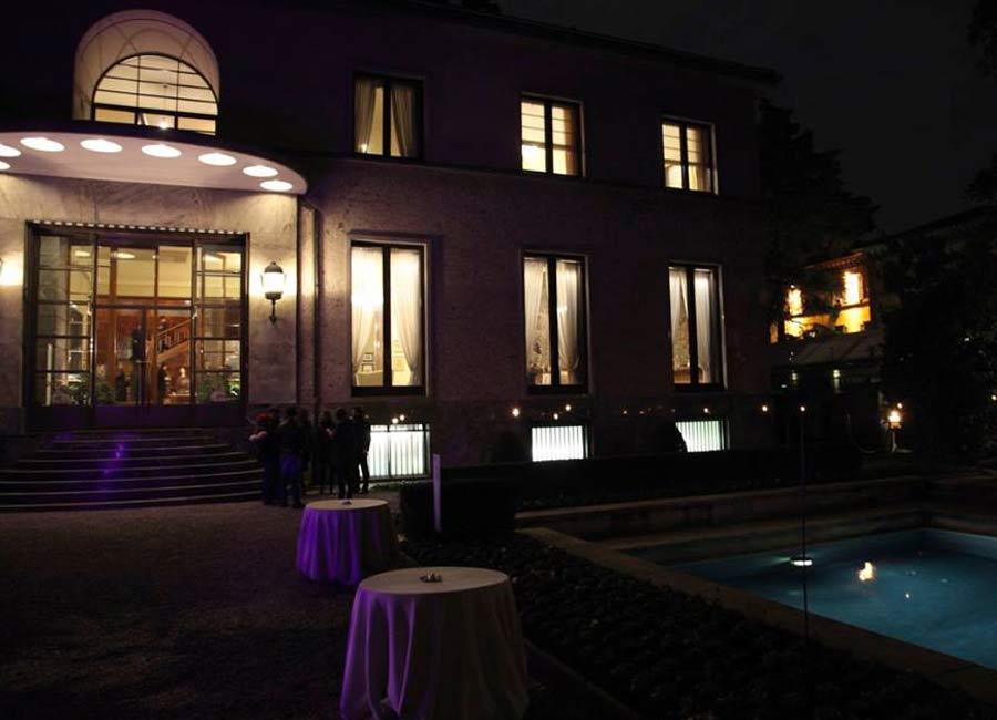 b.live-max-mara-villa-necchi-night