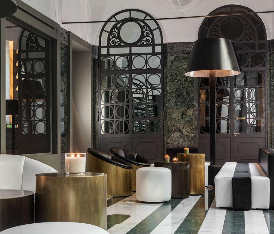 Hotel-Senato-Milano-dettaglio-salottino-bianco-e-nero_9