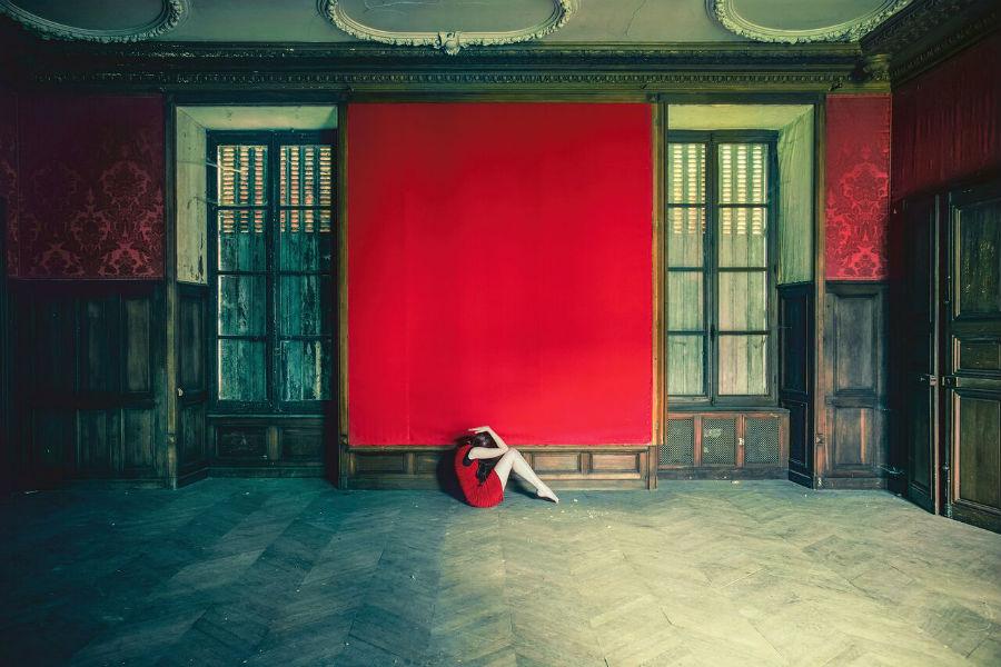 MIA Photo Fair-Julie Poncet-Comme un poisson-2015 Photograph, Pigment ink on Fine Art paper, 60X90 cm, Edition: 1/10, Courtesy: Galerie Jean Louis Ramand – Noorforart Contemporary
