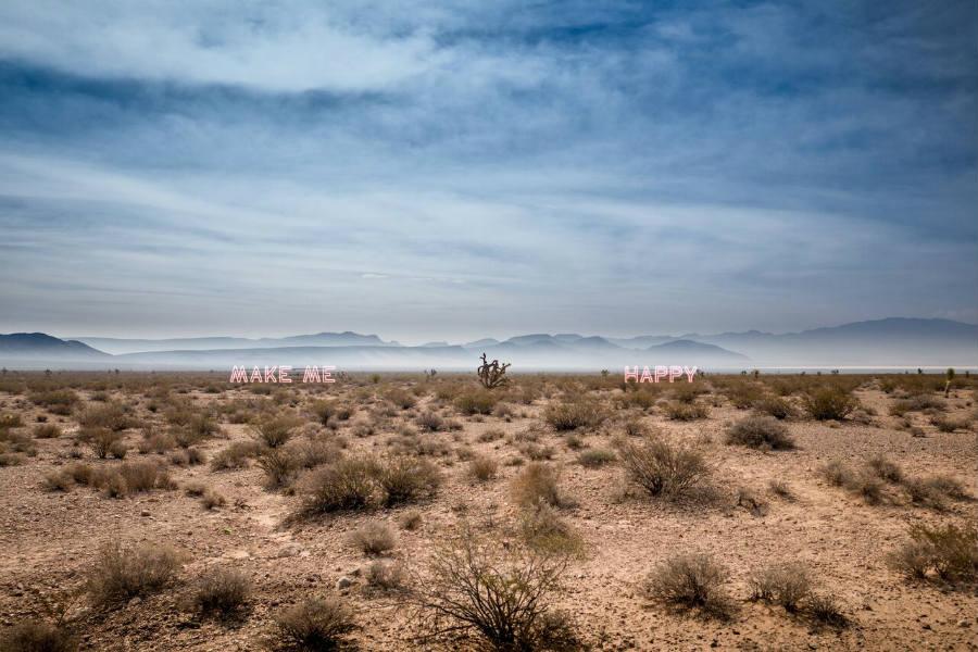 MIA Photo Fair-Yuri Catania-MAKE ME HAPPY-Nevada Desert 2016 stampa fine art glicèe, 30 x 40 cm, edizione di 5, Courtesy: Yuri Catania;
