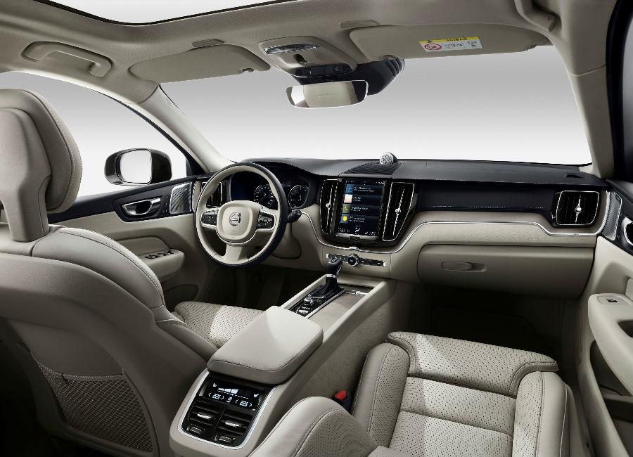 Salone di Ginevra-Volvo-xc60-2017-interni