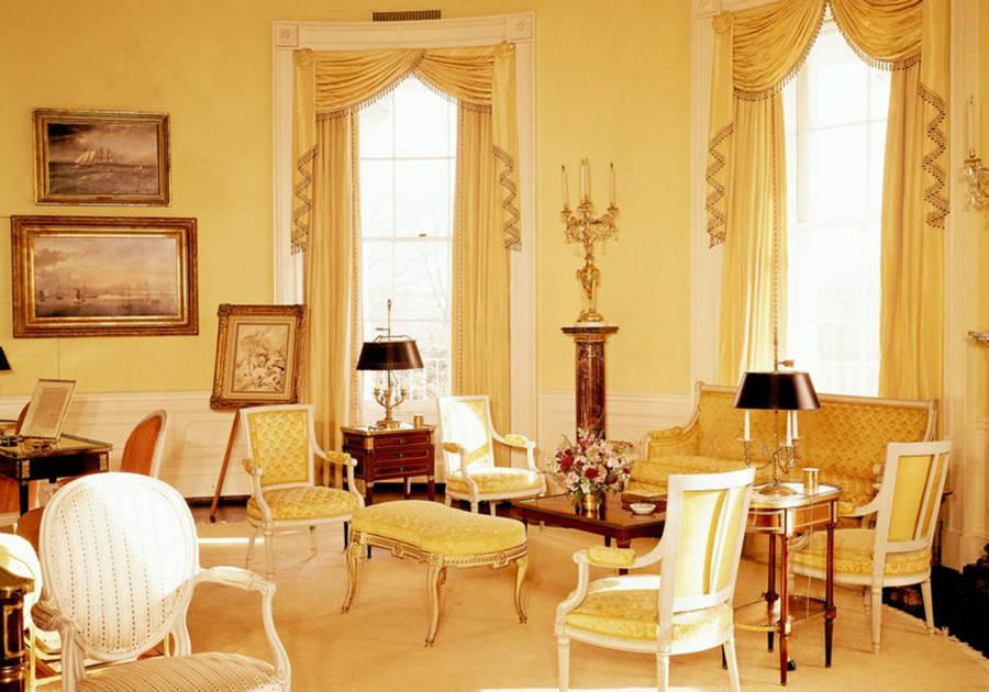 Sister Parish-Art-Decor-Yellow-Oval-Room-White-House_6