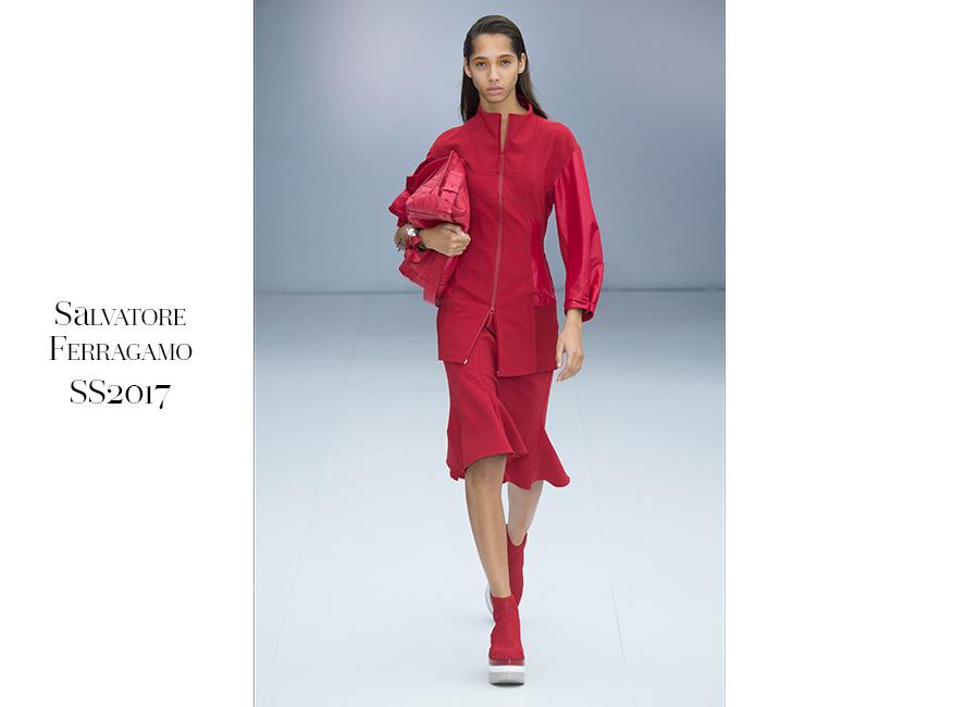 Tailleur -Salvatore Ferragamo SS2017_ tailleur con giacca versione kimono, con maniche in tessuto tecnico e gonna a balze al ginocchio portato con scarpa con platform. @credits Salvatore Ferragamo