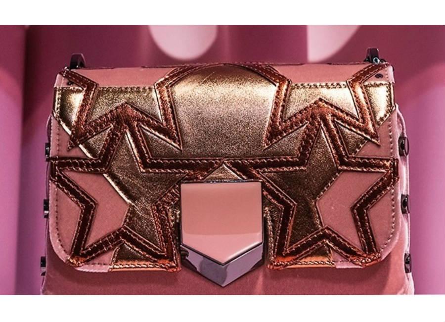 milano fashion week-2017-Jimmy Choo-borsetta stelle dorate e chiusura laccata rosa