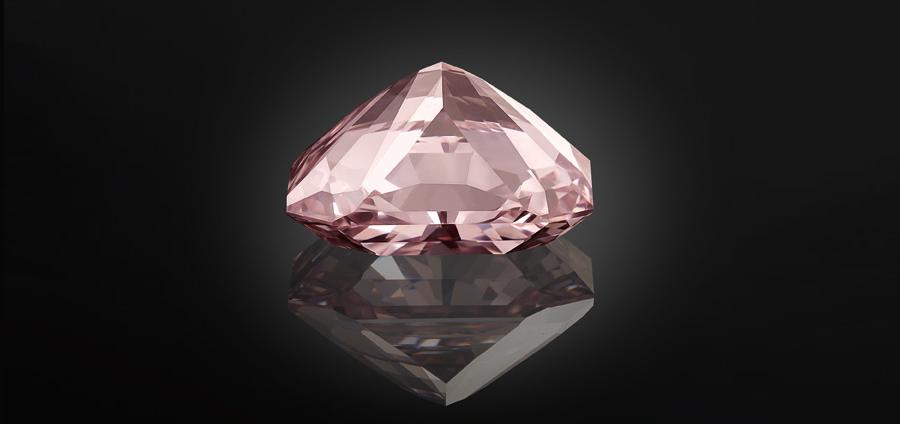 Al Thani-collezione-gioielli_diamante-Agra-oggi-tagliato