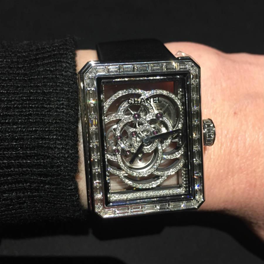Chanel-Laura-canepa-Blaser-indossa-orologio-Premiere-Camelis-Scheletrato