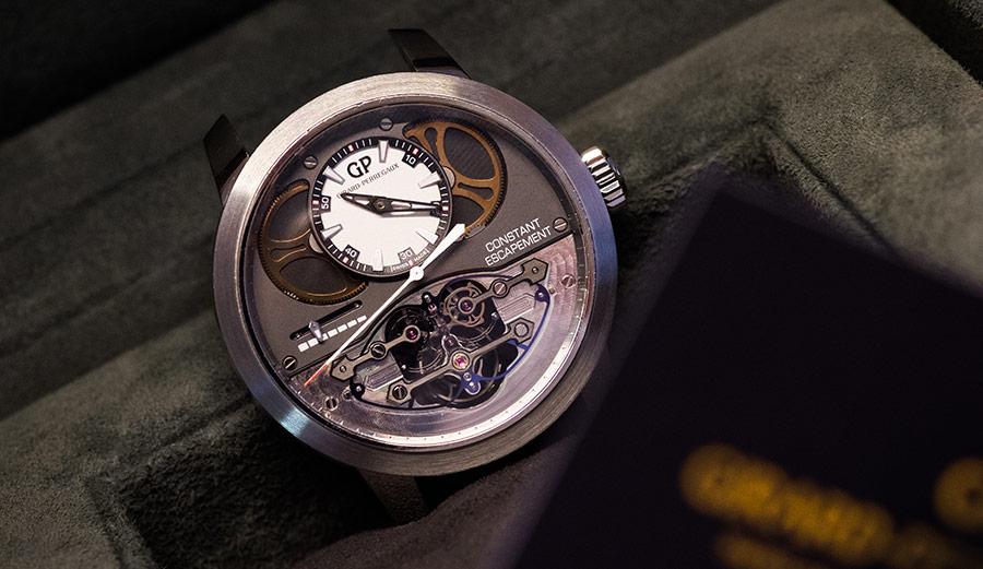 Girard Perregaux-Nel reparto di alta orologeria della manifattura, troviamo appena ultimato un modello del celebre orologio Constant Escapement L.M. a scappamento costante.
