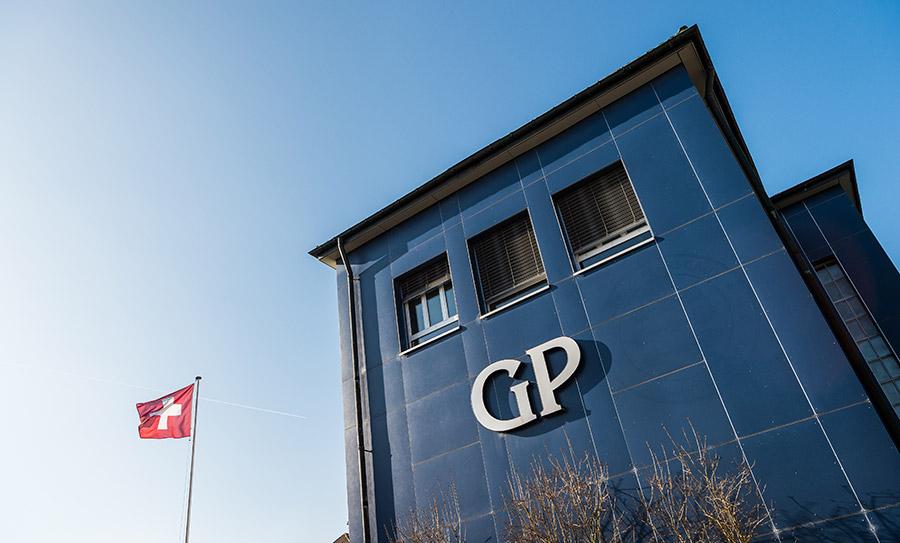 Girard Perregaux-manifattura-dettaglio-esterno-con-logo-GP