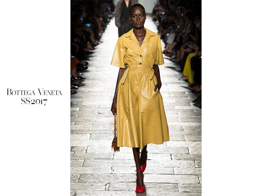 Pop-Bottega Veneta-SS2017-scamiciato-stretto-in-vita-da-cintura-giallo
