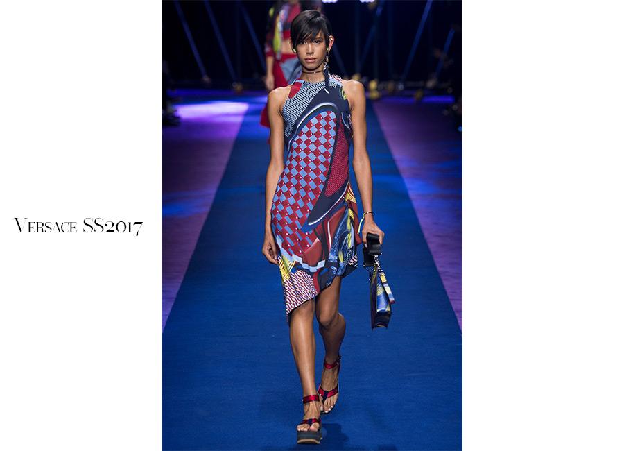 Pop-Versace-SS2017-abito-asimmetrico-stampe-pop