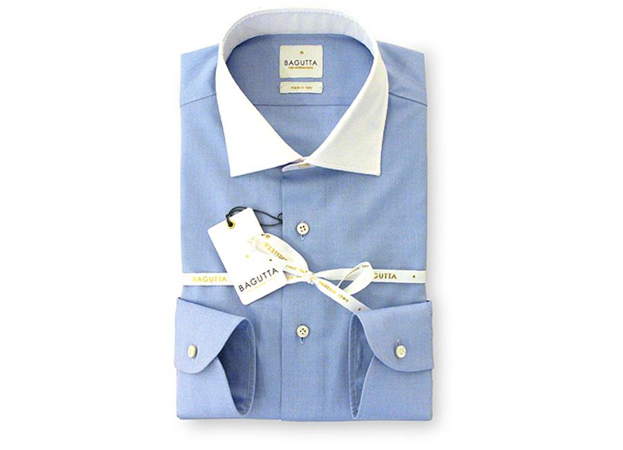 Bagutta-camicia-ripiegata-azzurra-con-colletto-e-polsini-bianchi