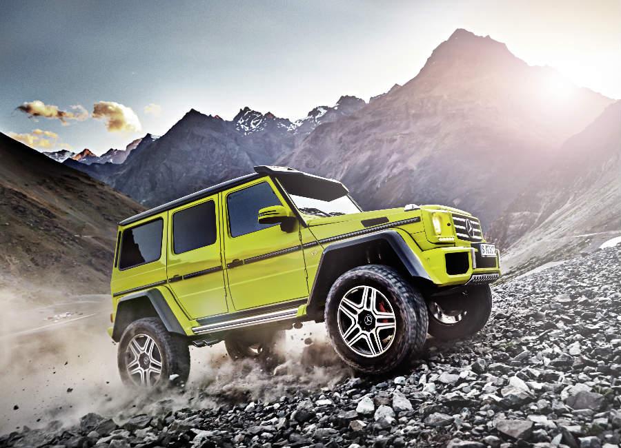 Classe G-Mercedes-suv-4x4-edizione-speciale-colore-giallo-su-strada-rocciosa