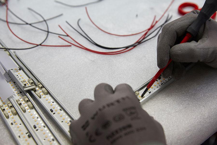 Romeo Sozzi-designer_artigiani-al-lavoro