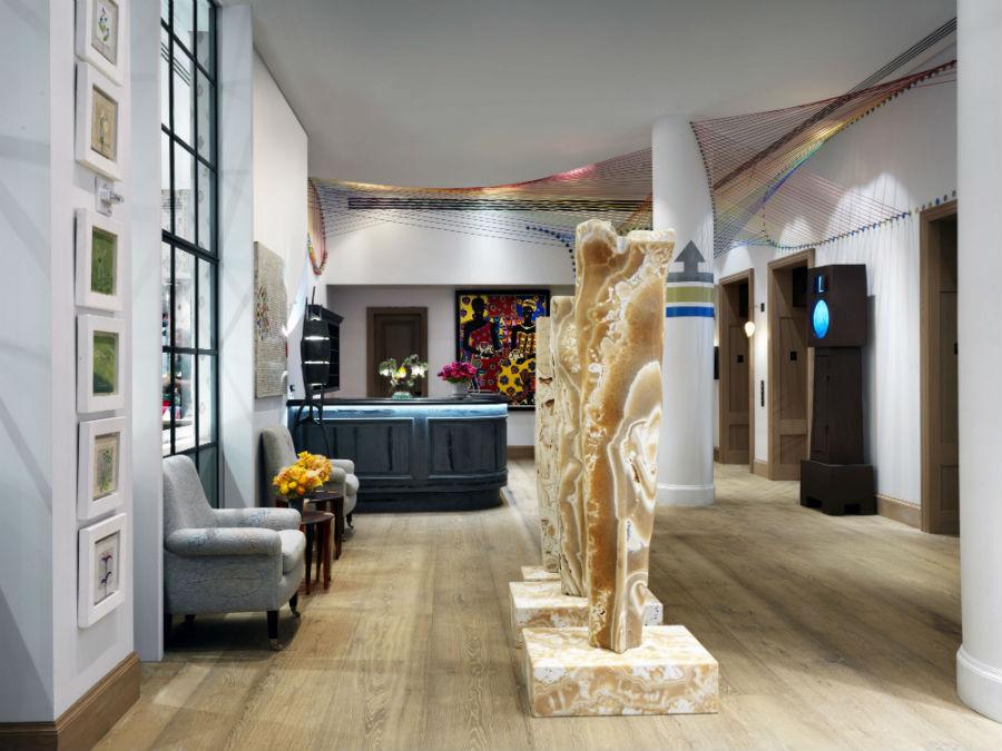 Whitby-Hotel-New-York-design-opere-esposte