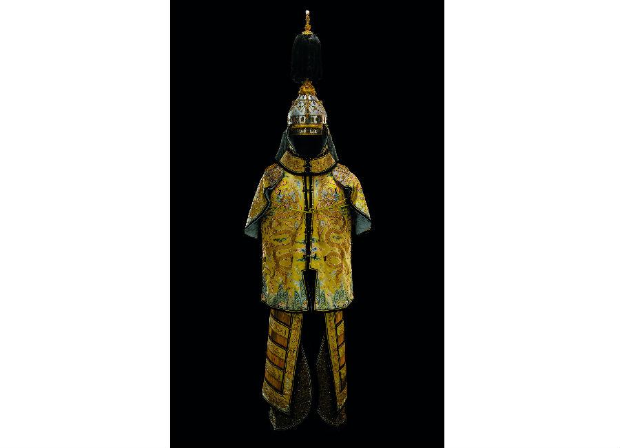 Monaco: statua in mostra-La Città Proibita a Monaco. La vita alla corte degli imperatori e delle imperatrici della Cina