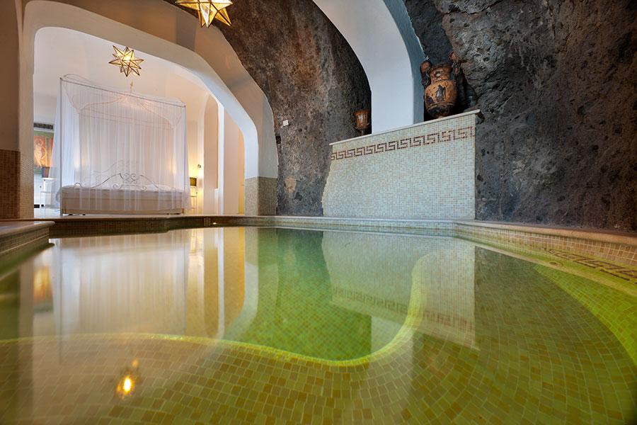 Bellevue-Syrene-hotel-sorrento-Suite roccia pool