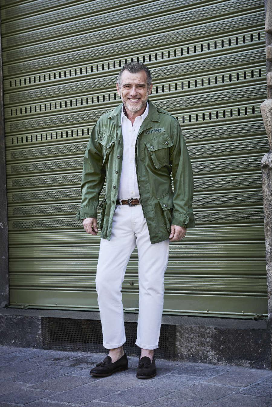 "Alessandro Squarzi davanti al flaghship ""Fortela"" di Milano - credits: ko street style post meg stasi"