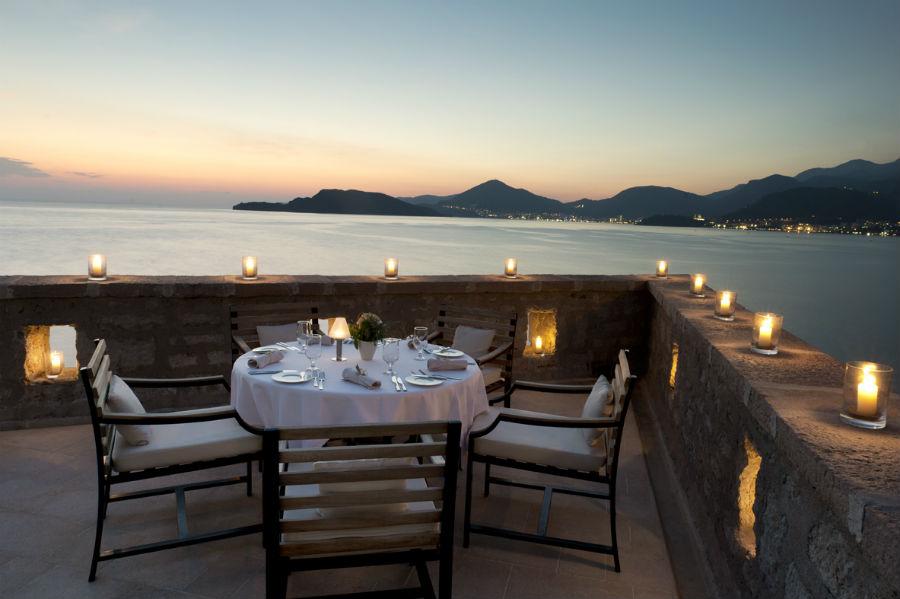 Sveti Stefan: Terrace Dining