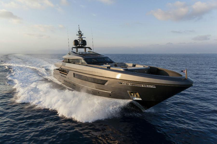 baglietto-yachts-46m-fast_immagine yacht in navigazione