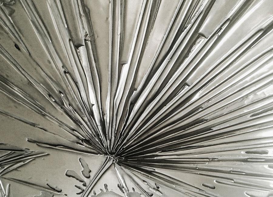 Gianluca Pacchioni - dettaglio di scultura realizzata utilizzando la tecnica del metallo liquido