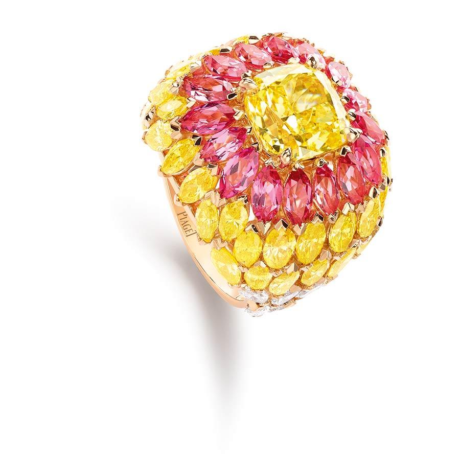 Piaget - Collezione Sunlight Journey - Anello Sunlight Journey - in oro rosa con 1 diamante giallo taglio cuscino (Vivid-VS2 - 4,02 carati), spinelli rosa, diamanti gialli e bianchi, privilegiando il taglio navette.