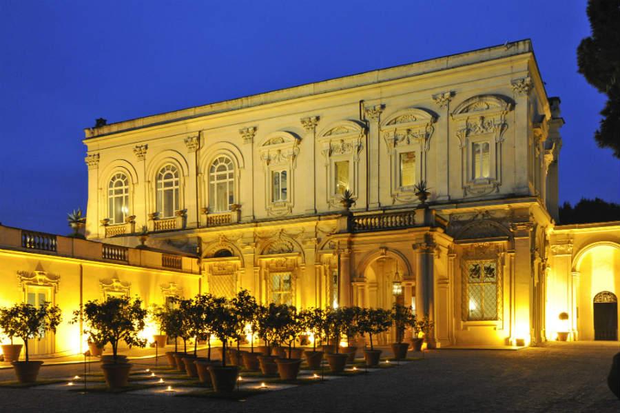 villa-aurelia-roma-dimora-storica-esterno-in-notturna